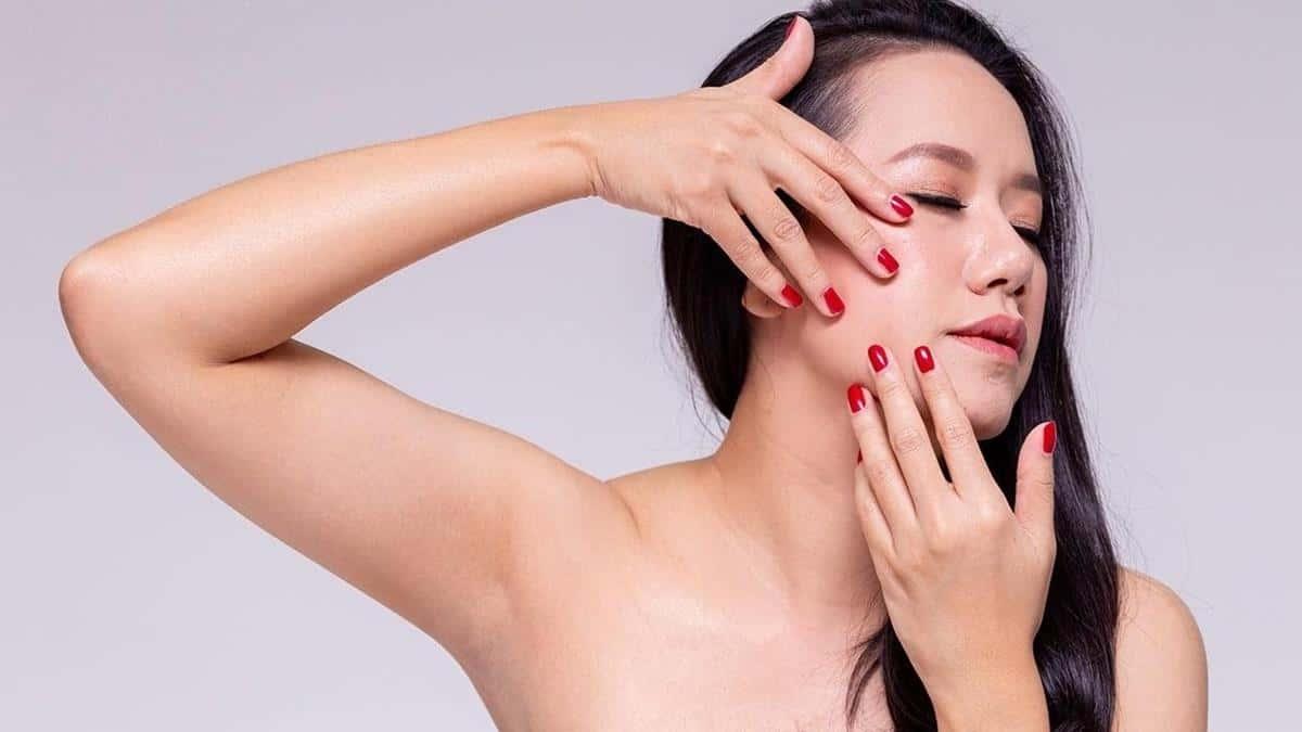 tips agar tidak burntusan selama puasa_Jangan Sering Menyentuh Wajah
