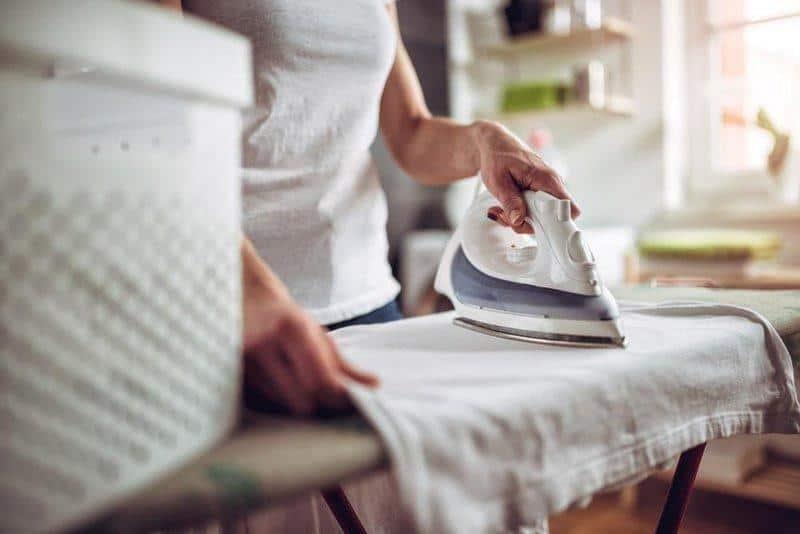tips merawat mukena agar awet_Setrika dengan Suhu Sedang