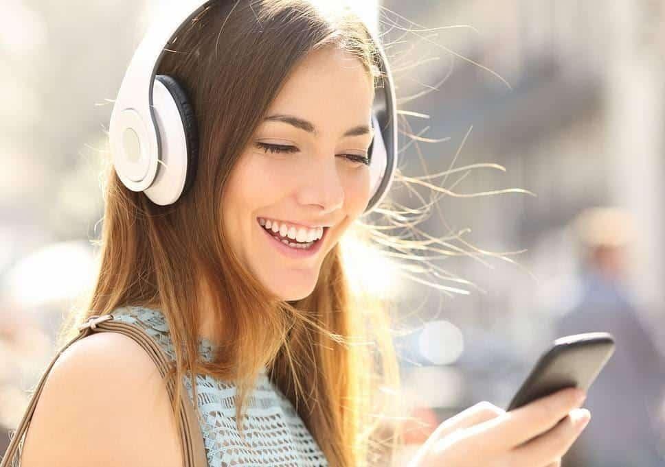 Cara Mengembalikan Mood Wanita Lewat Chat_Ceritakan Cerita Lucu Melalui Voice Note