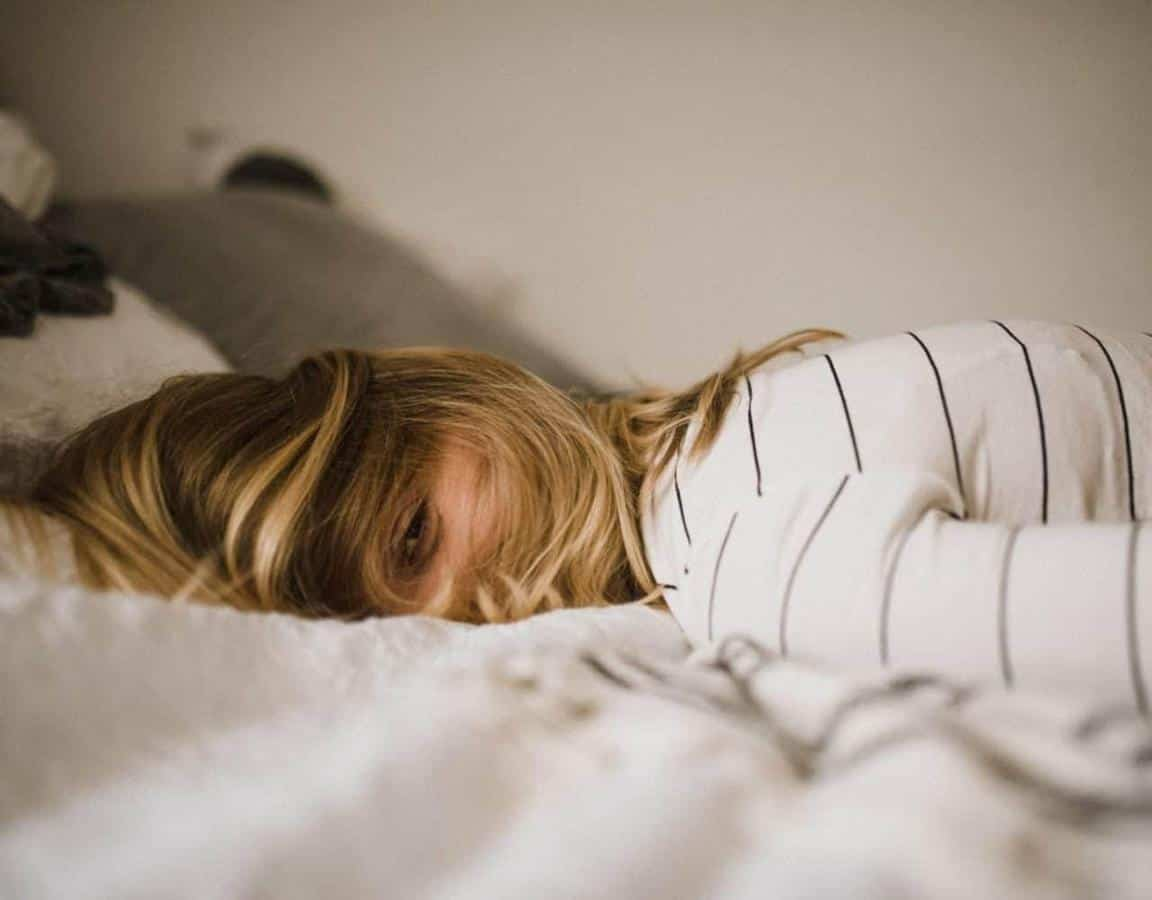 Cara Mengembalikan Mood Wanita Lewat Chat_Kurang Tidur