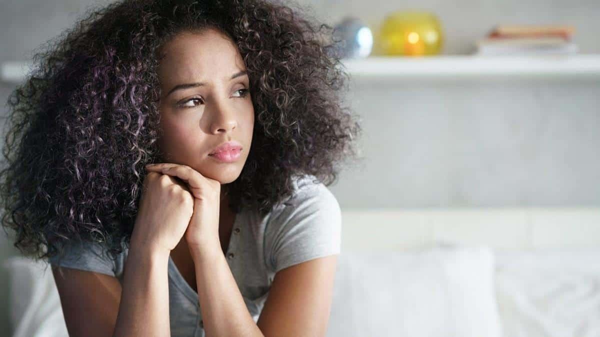 Cara Mengembalikan Mood Wanita Lewat Chat_Merasa Insecure