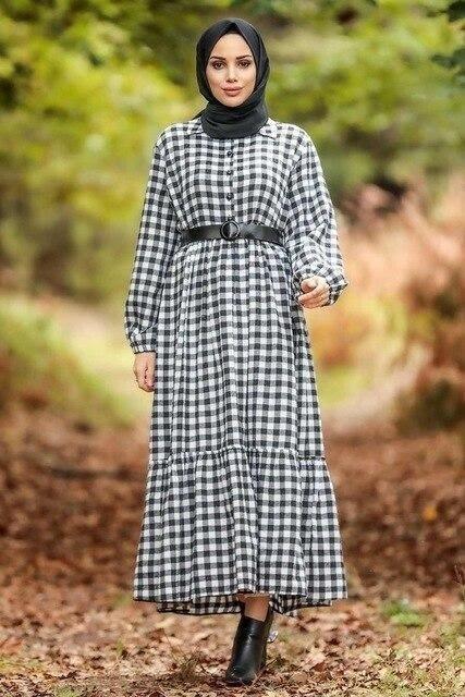 Model baju lebaran warna monokrom_ Gingham Dress