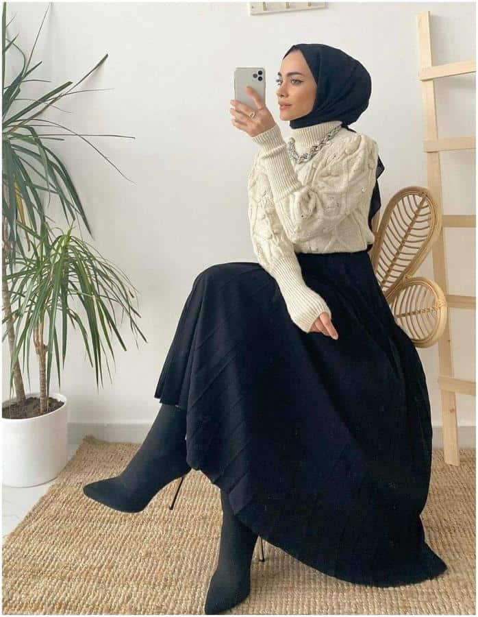 Model baju lebaran warna monokrom_ Sweater dan Rok A-Line