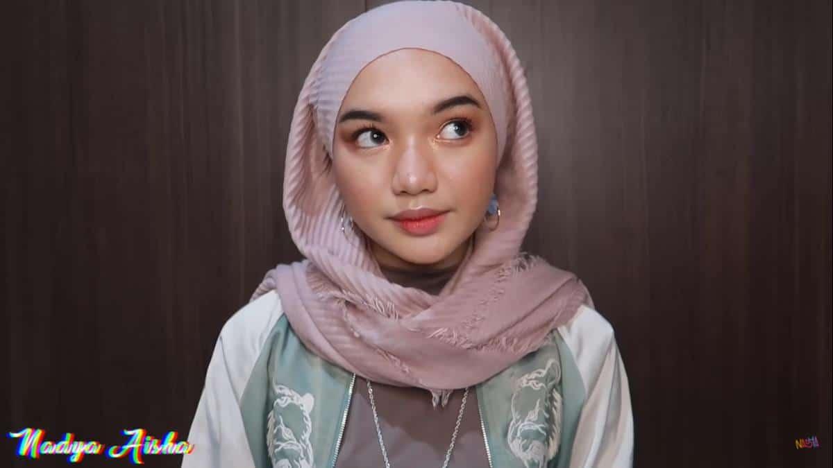 model hijab untuk lebaran_Unfinished Hijab