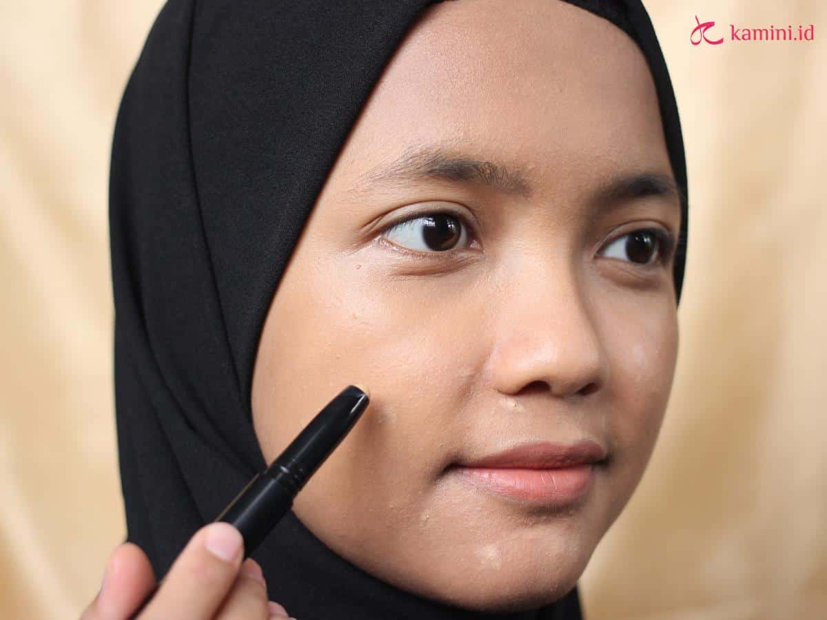 Review Viva Queen Perfect Cover Concealer, Samarkan Noda Hitam 2