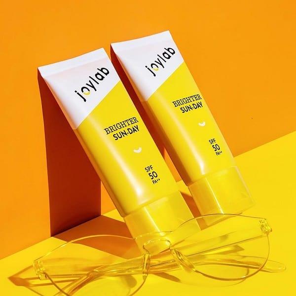 10 Rekomendasi Sunscreen Lokal Terbaik yang Layak Dicoba 11