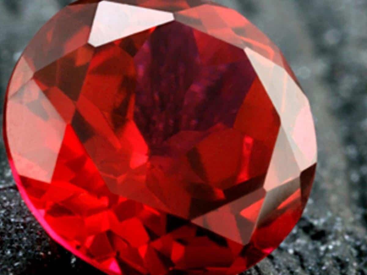 10 Macam Warna Merah yang Paling Sering Digunakan 1