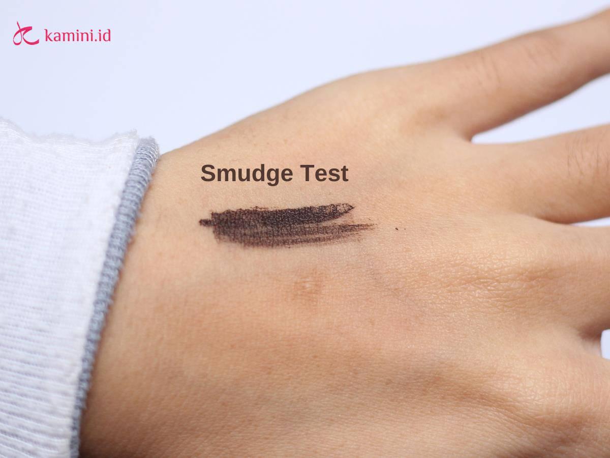 Review Emina Squeeze Me Up Browcara_smudge test