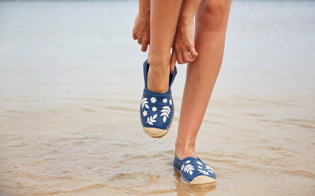 alas kaki untuk kaki lebar_Espadrilles