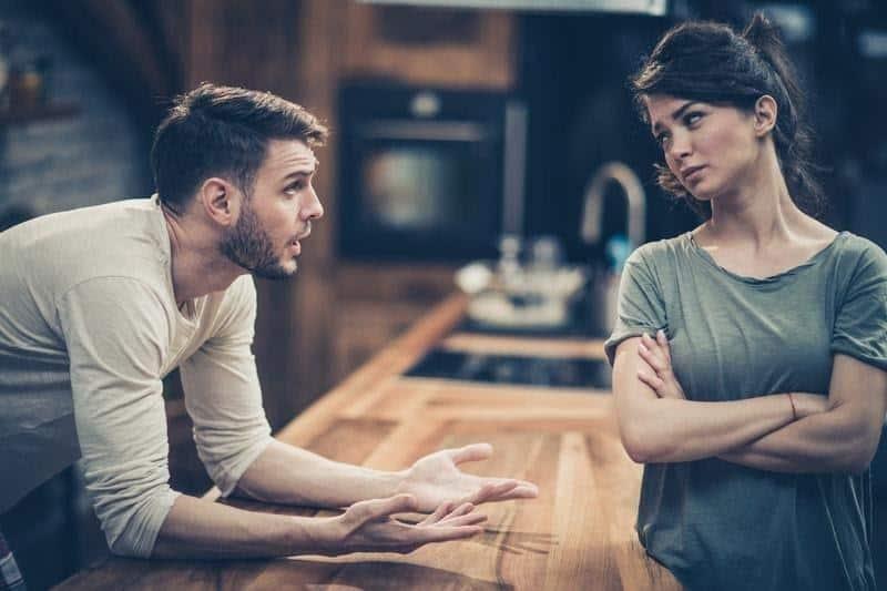alasan laki laki mudah bosan dalam hubungan_Merasa Butuh Privasi