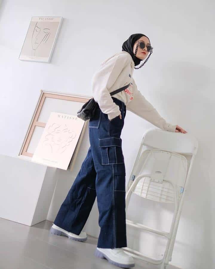 boyish style untuk hijabers_Oversized Sweater dan Cargo Pants