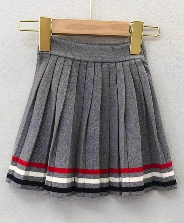tips merawat rok plisket_Simpan dengan Cara Digantung atau Digulung