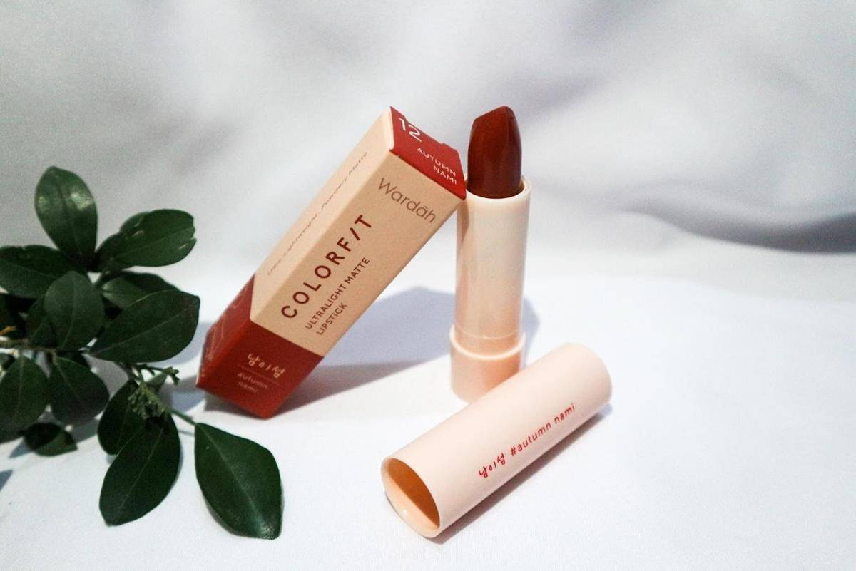 Review Wardah Colorfit Ultralight Matte Lipstick_Harga