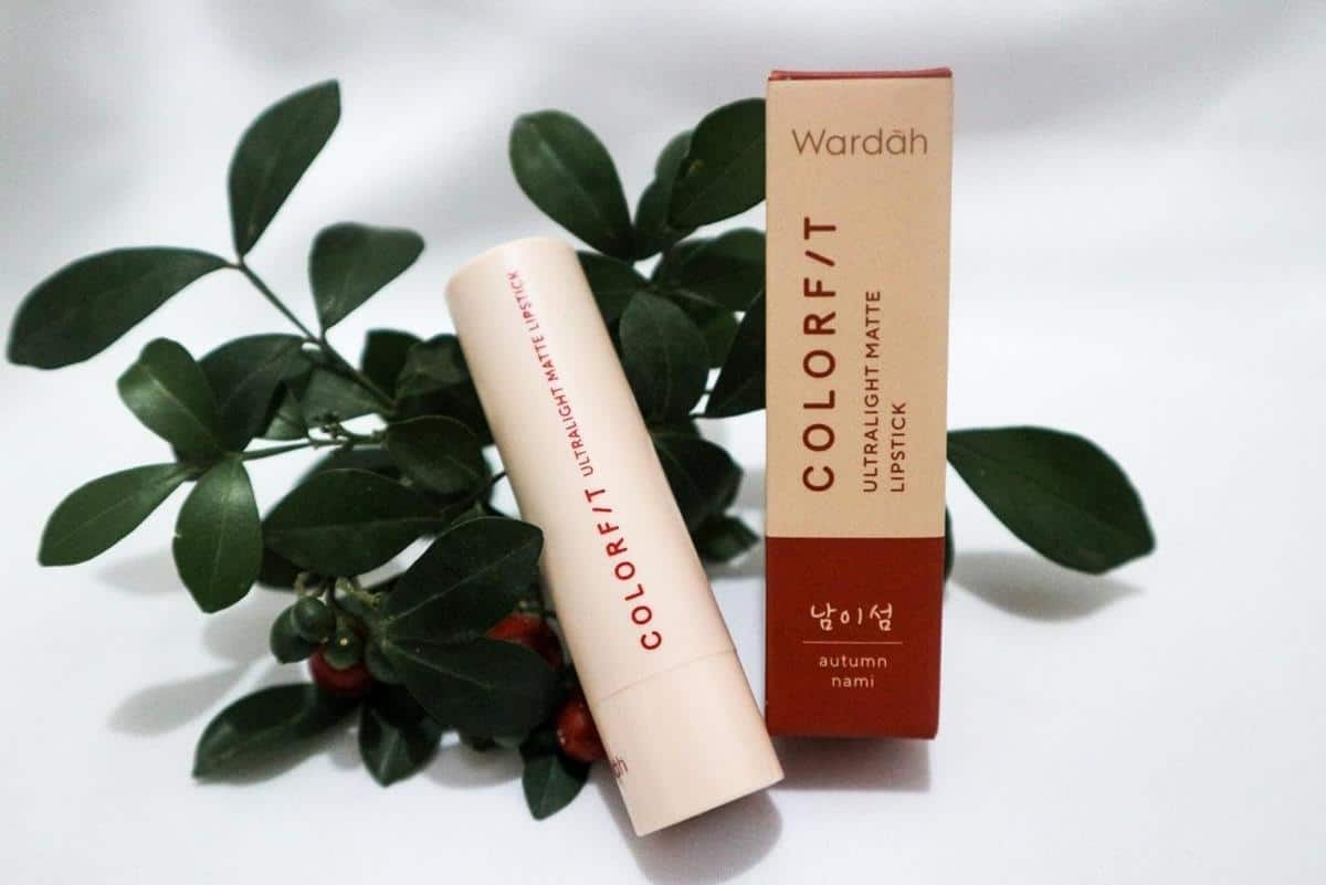 Review Wardah Colorfit Ultralight Matte Lipstick_Tentang Produk