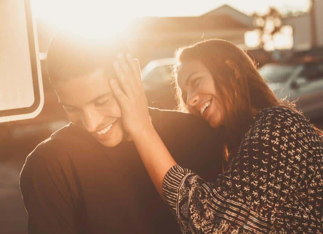Tips hadapi pasangan yang kekanakan_Lihat Sisi Positif di Dirinya