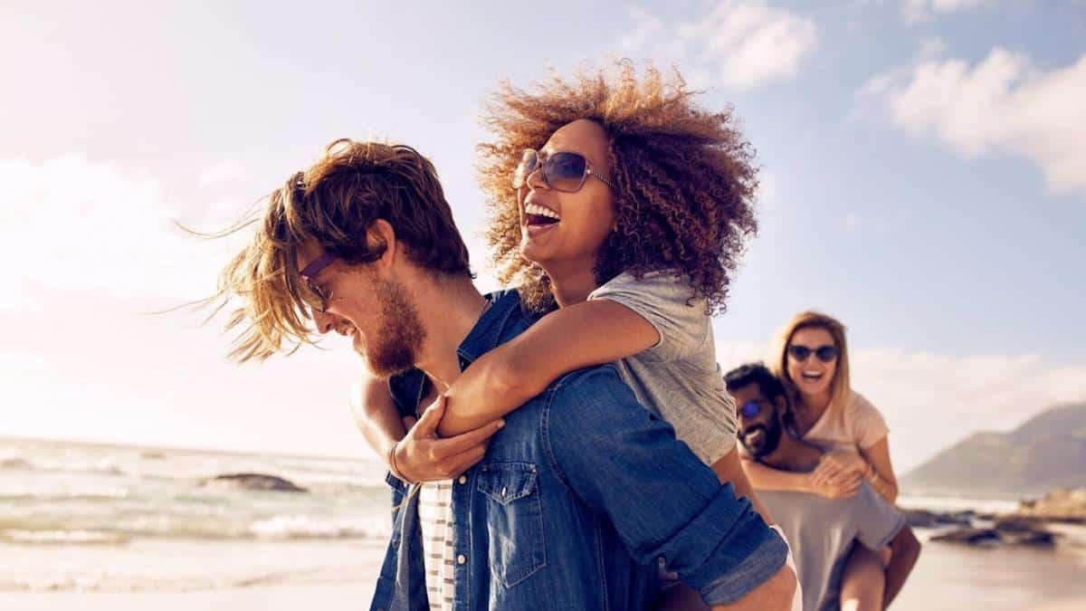 Tips hadapi pasangan yang kekanakan_Nikmati dan Sesekali Ikuti Pola Pikirnya