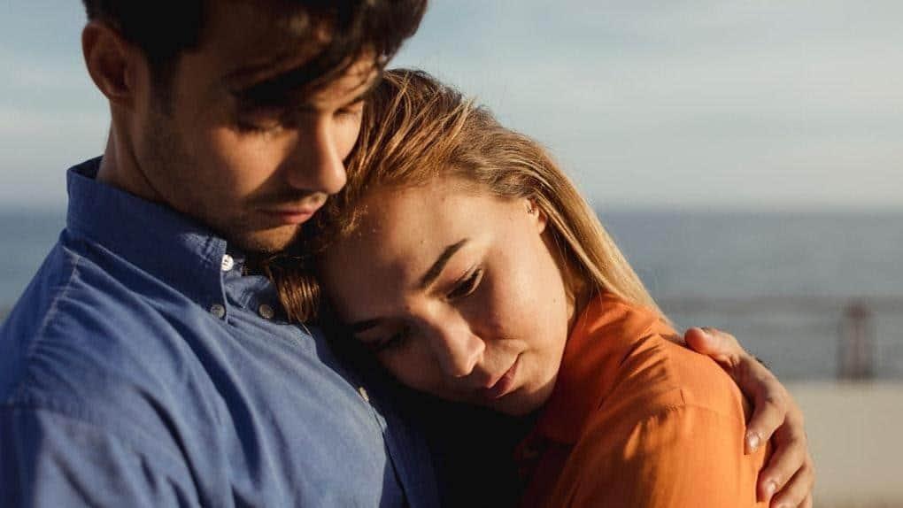 Tips hadapi pasangan yang kekanakan_Sesekali Tegas dan Tetap Tenang
