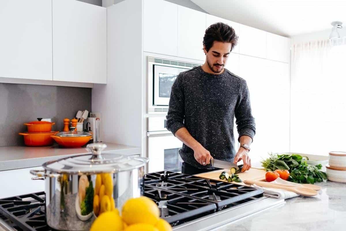 alasan lelaki harus bisa masak_Basic Life Skill