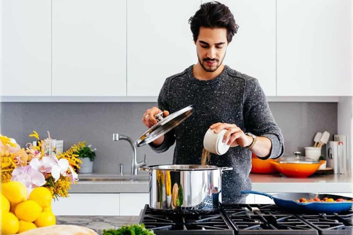 alasan lelaki harus bisa masak_Melatih Pola Pikir Lebih Sistematis dan Detail