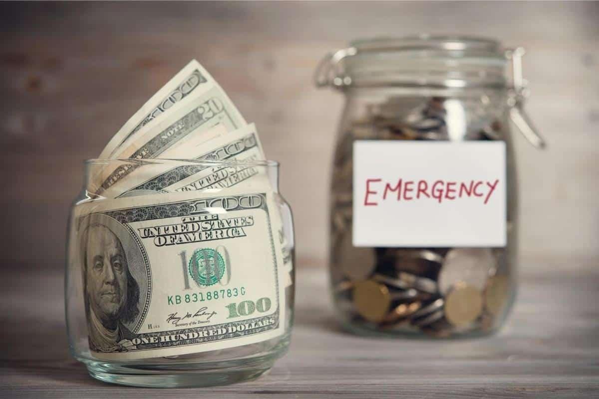 cara mengatasi masalah keuangan_Memiliki Dana Darurat