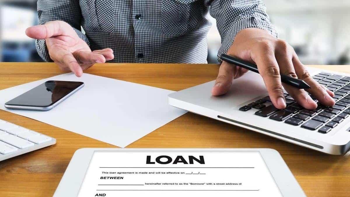 cara mengatasi masalah keuangan_Menghindari Pinjaman Bank